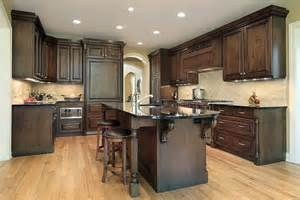 kitchen floor ideas with cabinets kitchen cabinets colors ideas pictures classic kitchen 9370