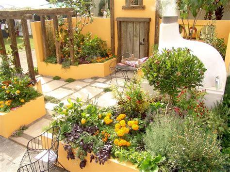 Mediterraner Garten Gestalten by How To Design A Mediterranean Garden