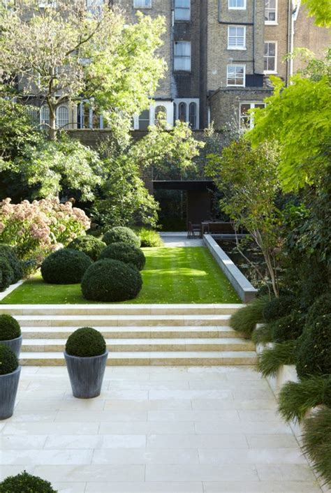 beautiful boxwood garden ideas