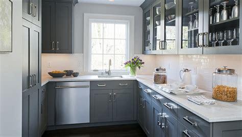 modeles de petites cuisines la cuisine grise plutôt oui ou plutôt non