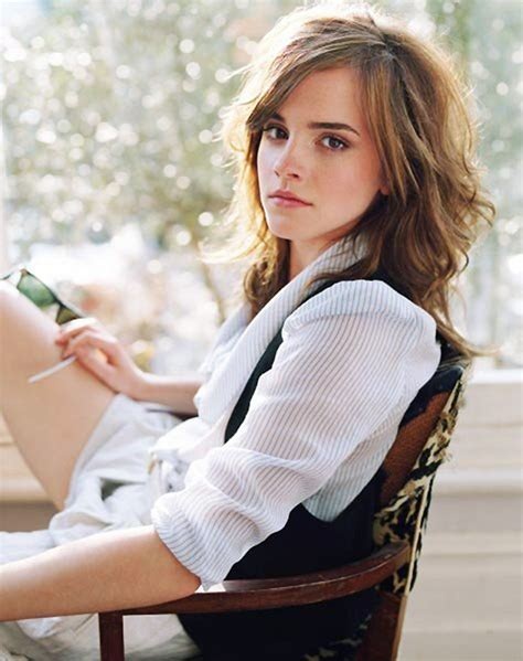 Emma Watson Hd Wallpapers Free Download  Simple Wallpapers