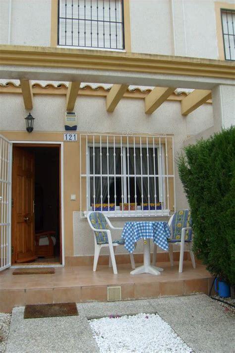 komfortables reihenhaus in zentrumsnaher ruhiger ferienhaus am strand in villamartin mieten 849532
