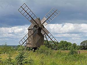 Art's Work: Windmills and Burial Monuments