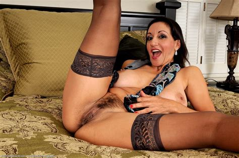 Hot Cougar Persia Monir In Stockings Free Cougar Sex
