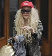 Amanda Bynes Hair 2015 Blonde Hair Color With Black Hat Pictures to      Amanda Bynes Now 2017