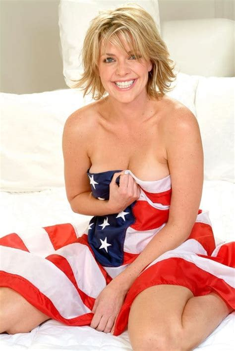 amanda tapping sexy amanda tapping s legs sexy legs images of hot celebrity