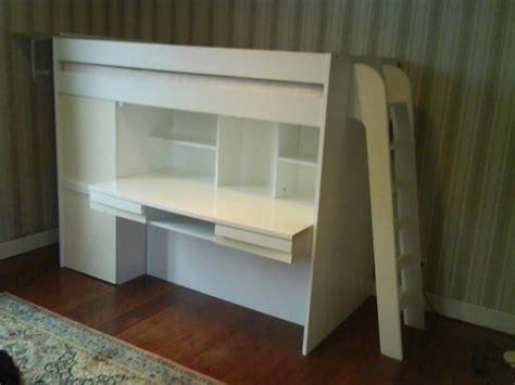lit sureleve avec bureau vend chambre enfant blanche avec bureau et lit surélevé