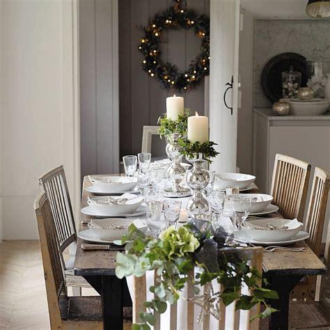 christmas table setting ideas   simplify
