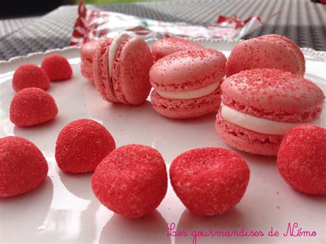 dessert avec des fraises tagada macarons 224 la fraise tagada les gourmandises de n 233 mo
