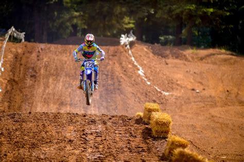 how to jump a motocross bike how to jump a dirt bike motosport