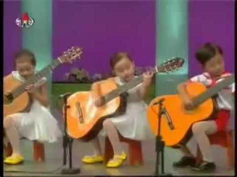 Menyanyikan lagu secara lengkap 2. MUSIK ANAK TK (MENGAGGUMKAN) - YouTube