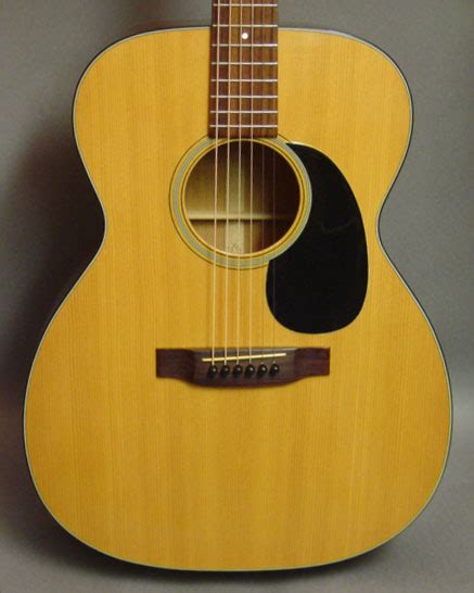 Martin 00018 Acoustic Guitar Review