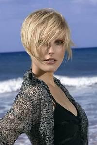 Cheveux Carré Court : modele coupe carre court ~ Melissatoandfro.com Idées de Décoration