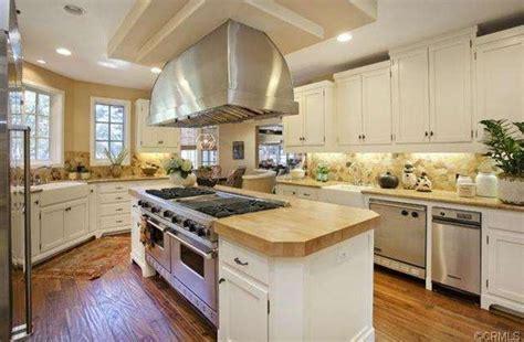 Lane Kiffin lists Manhattan Beach mansion for sale for $7