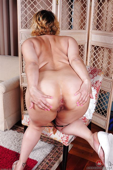 Bbw Jewels Jiggles Her Fat Ass And Whips Out Big Boobs Too