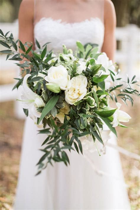 ethereal rustic organic wedding ideas bouquets
