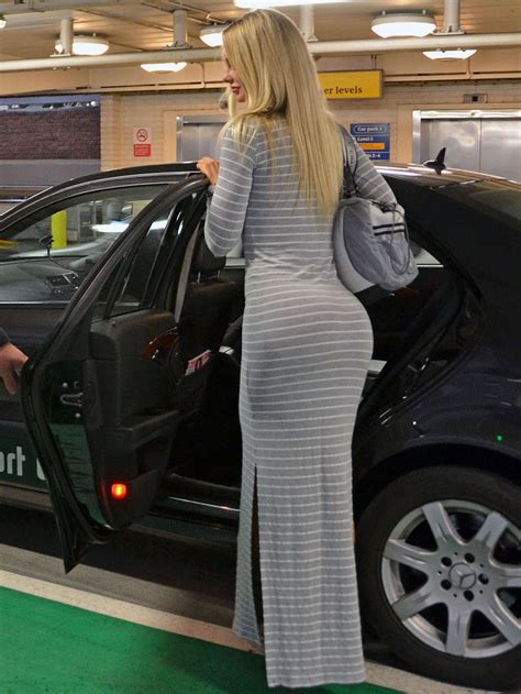 sophie turner  tight dress  heathrow airport  london