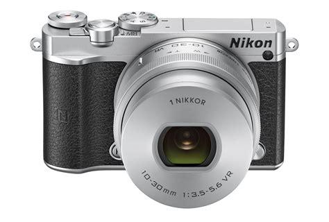nikon announces  nikon    compact  mp