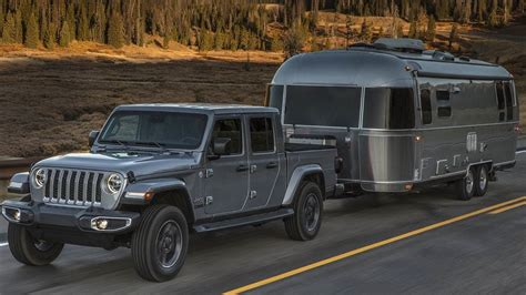 truck     tow  trailer  images jeep gladiator pickup trucks