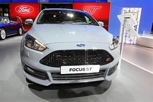 Focus St Sw : mondial auto 2014 ford focus st sw photo 2 l 39 argus ~ Medecine-chirurgie-esthetiques.com Avis de Voitures