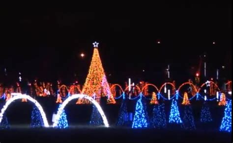 christmas lights  pigeon forge  decoratingspecialcom