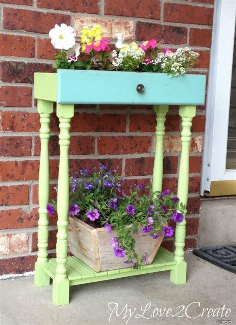 repurposed garden container ideas  designs