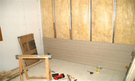 carrelage dans une chambre poser du lambris bois mural