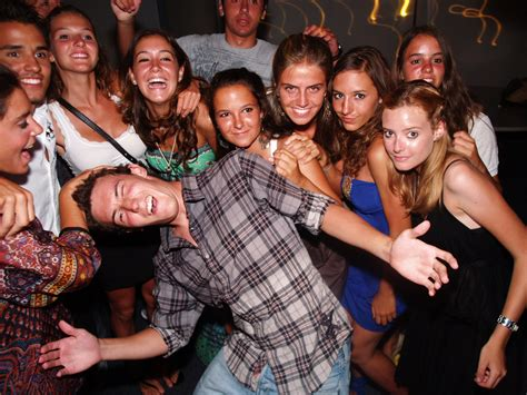 Top 10 Fun And Inexpensive College Party Themes For The