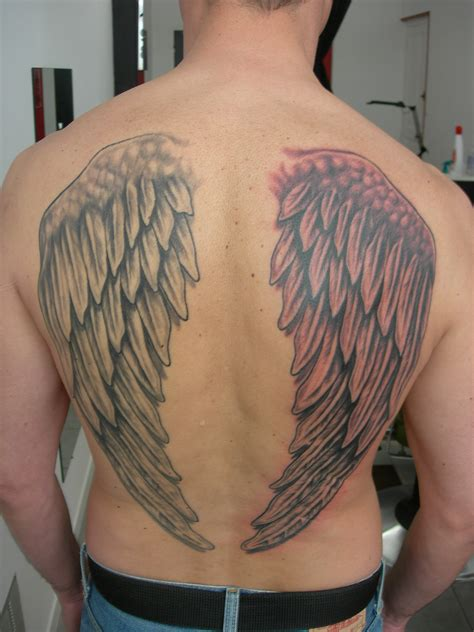 aile d ange tatouage tatouage ailes d anges les tatouages chez mostik