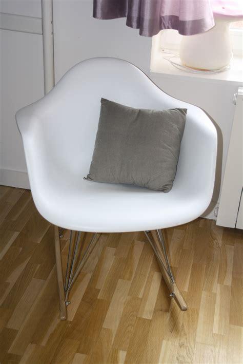 chaise à bascule ikea fauteuil a bascule chambre bebe chambre bebe avec berceau