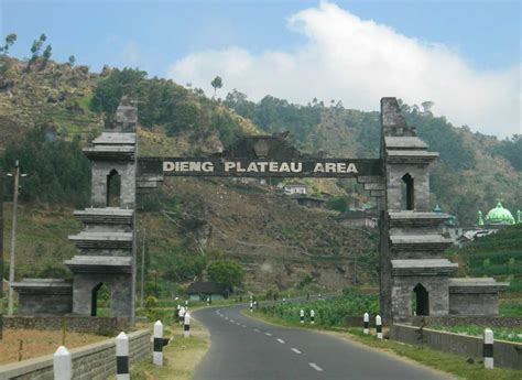 tempat wisata  jawa tengah  menarik  terkenal