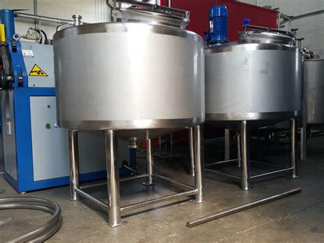 acciaio inox alimentare macchine industria alimentare costruzione serbatoi