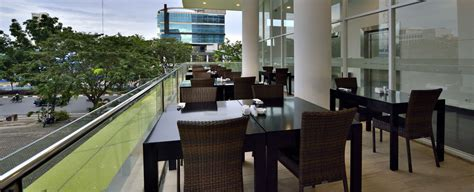 home whiz hotel sudirman pekanbaru  intiwhiz international