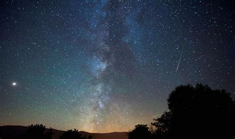 What Time Tonight Meteor Shower - perseids meteor shower 2018 facts about stunning light