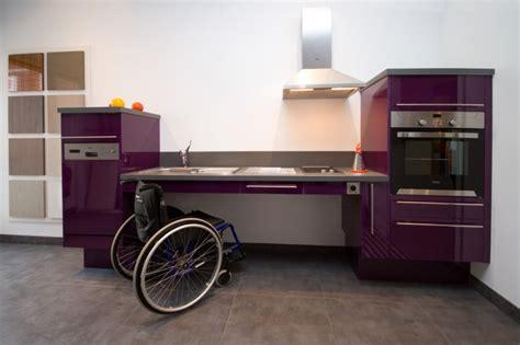 cuisine zinc plan de travail handicapé exemples de réalisations en photo