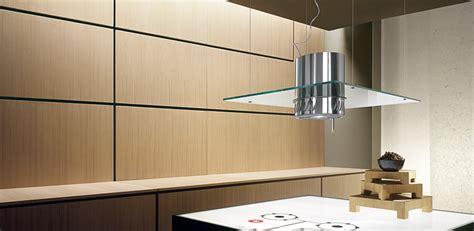 cuisine verre hotte filtrante en verre suspendue au plafond photo 14 15