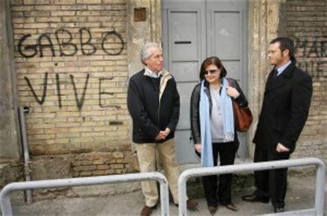 Negozio Di Gabbo - in cella l agente uccise gabbo il padre quot 200 giustizia