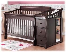 Baby Dresser Changer Combo by Bebe Baratisimo Cuna De Madera Portofino Silla