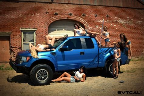 hot girls  ford svt raptor socal prerunner socal