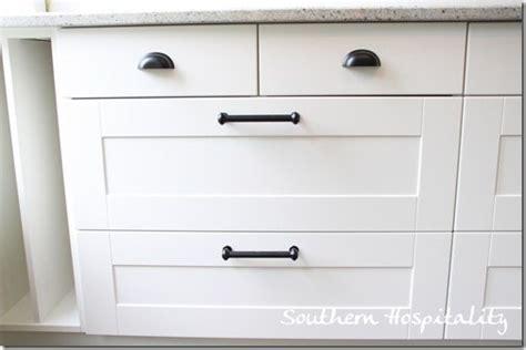 Kitchen Cabinet Knob Placement by Granite Installation