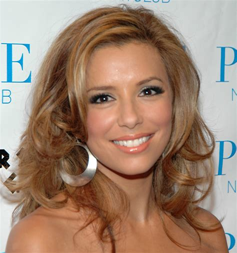 Eva Longoria Shares Her Beauty Tips And Favourite Makeup Products