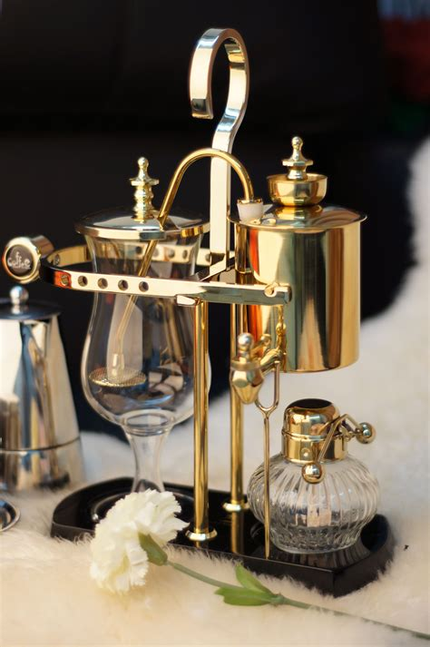 Luxury royal family balance syphon coffee maker: Elegant Royal Belgium Siphon Coffee Maker. Visit http://www.timemore.com.sg | Syphon coffee ...