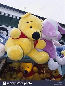 Ferkel Winni Pooh : winnie the pooh with piglet stockfotos winnie the pooh with piglet bilder alamy ~ Orissabook.com Haus und Dekorationen