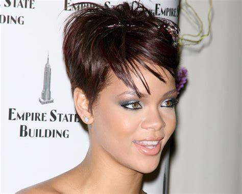 Rihanna & Her Extraordinary Hairstyle Look