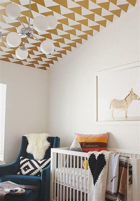 du papier peint au plafond dans une chambre d enfant deco co plafonds ceilings