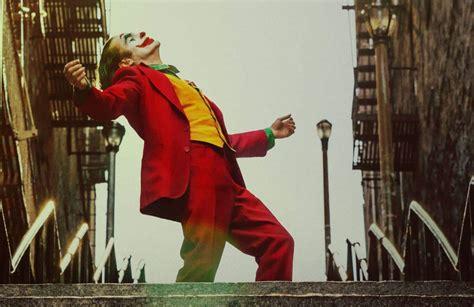joker reportedly  standing ovation  venice film