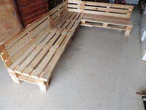 canape de jardin en palettes guide astuces With canapé d angle en palette de bois