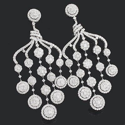 Chandelier Earring Designs by 15 Chandelier Earring Designs Anyone Can Pull