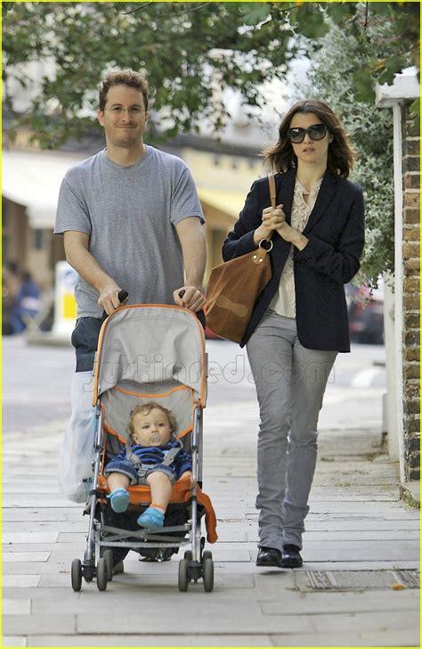 rachel weisz  babys growing   fast photo  celebrity babies darren aronofsky