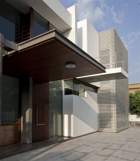Gallery Of Poona House / Rajiv Saini